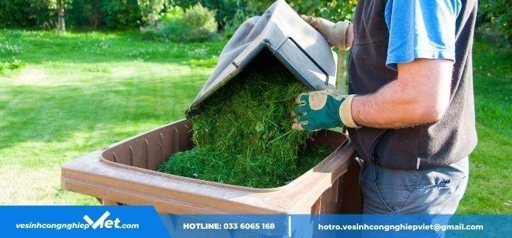 thu dọn xác cỏ