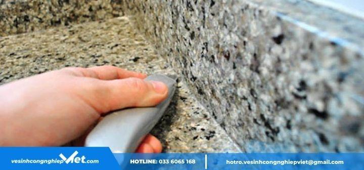 Tẩy keo silicon trên đá