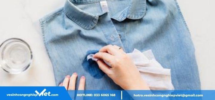 Tẩy keo silicon trên quần áo